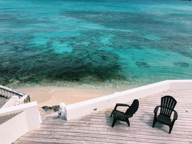 Beachfront condo in Nassau, Bahamas