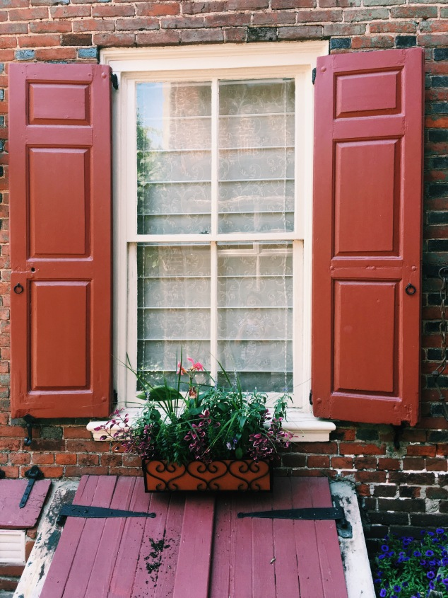 Red shutters in Elfreth's Alley, Philadelphia